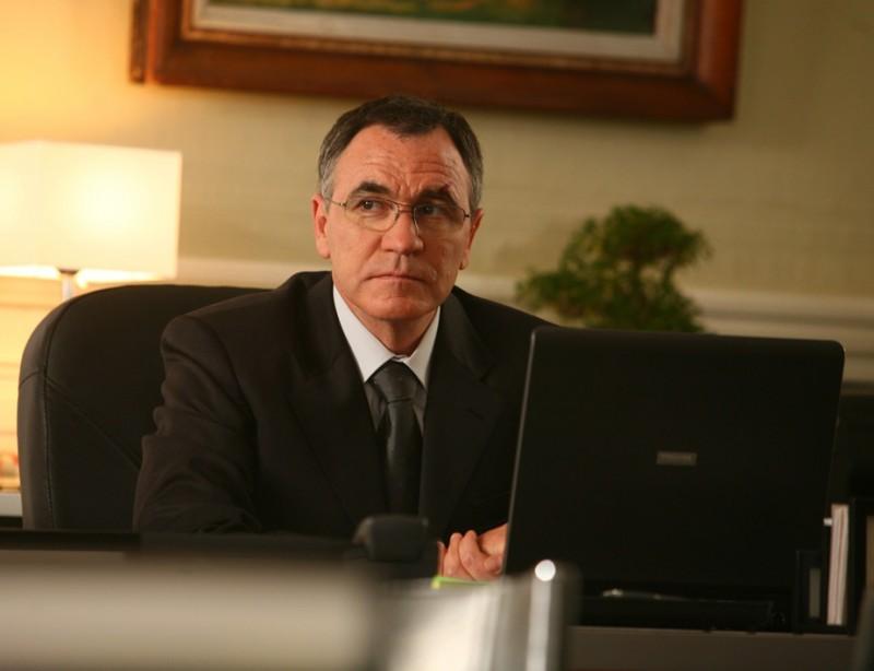 Jean Dell è Lemmonier nella serie televisiva Alice Nevers, professione giudice