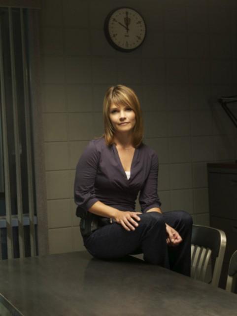 Kathryn Erbe in una immagine promozionale della serie Law & Order: Criminal Intent