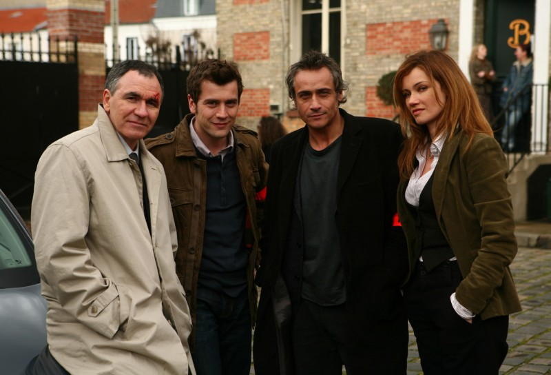 Marine Delterme, Jean-Michel Tinivelli, Jean Dell e Baquet nella serie Alice Nevers
