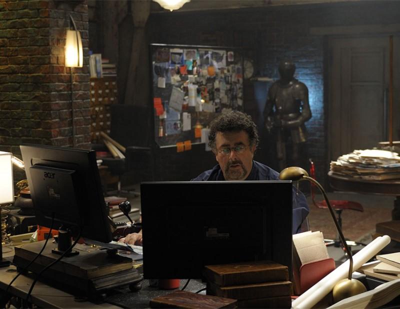 Saul Rubinek nel pilot della serie Warehouse 13