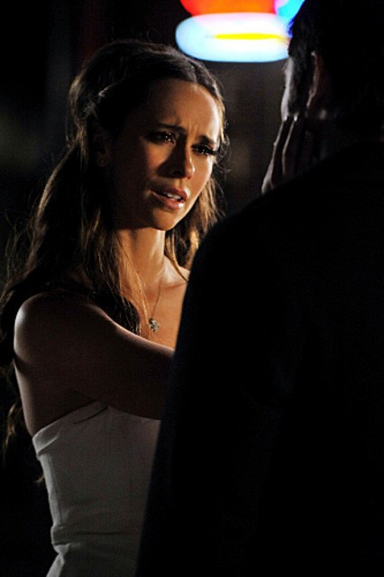Jennifer Love Hewitt nell'episodio Book of Changes della quarta stagione di Ghost Whisperer