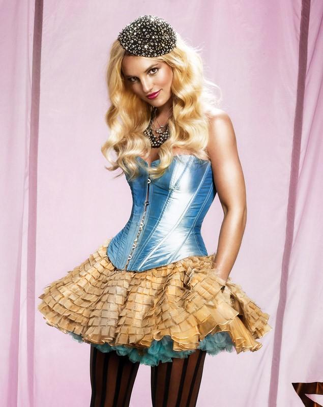 Britney Spears in un immagine promozionale per l'uscita dell'album 'Circus'