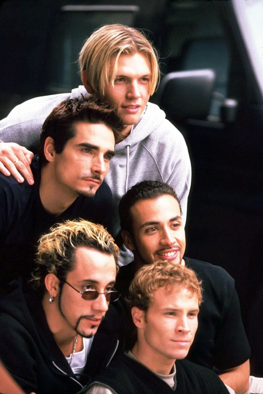 Un'immagine promo del gruppo Backstreet Boys con: Nick Carter, Kevin Scott Richardson, Howie Dorough, A.J. McLean e Brian Littrell