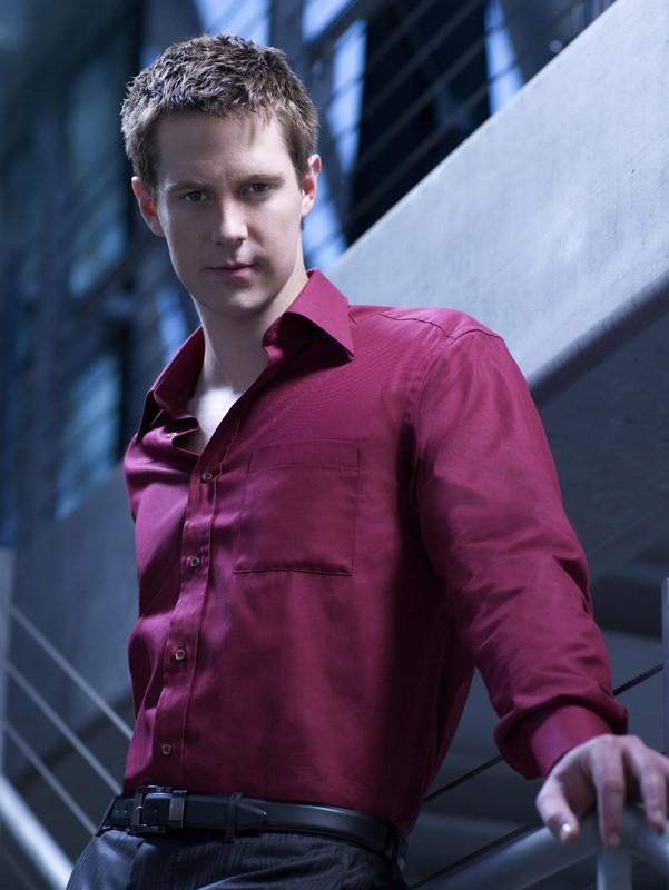 Jason Dohring in un'immagine promo della prima stagione di Moonlight