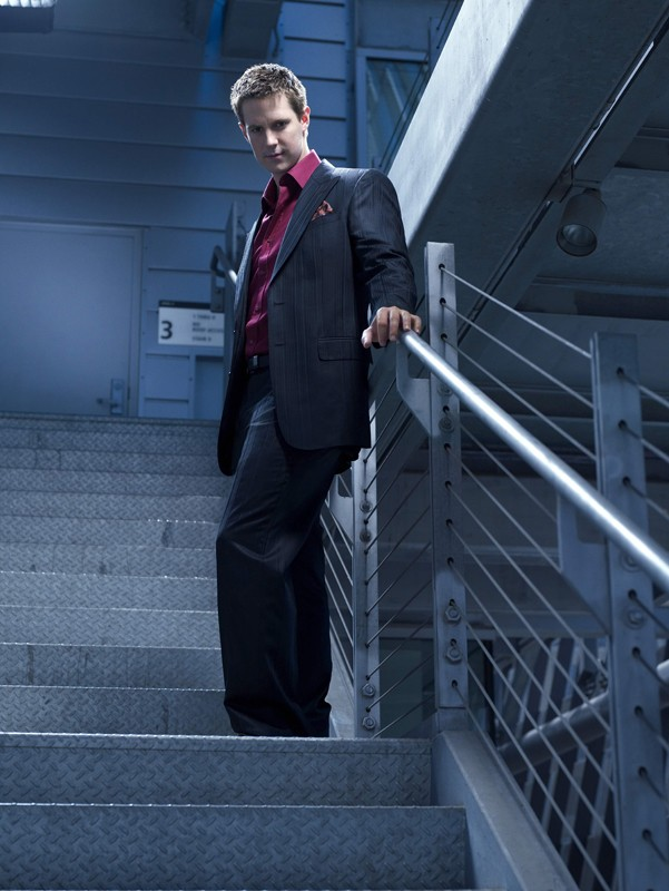 Jason Dohring in una foto promo per la serie tv Moonlight