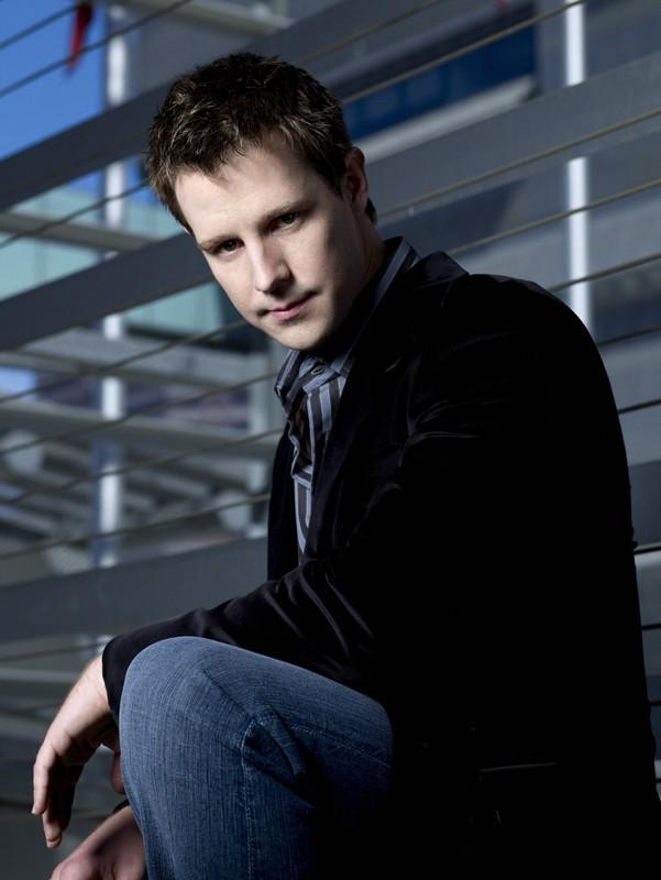 Una foto promo di Jason Dohring per la serie tv Moonlight