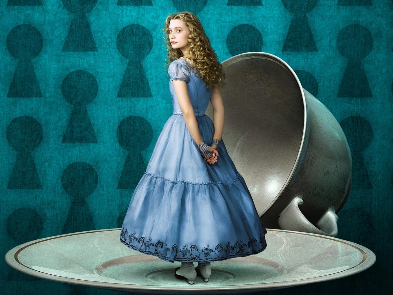 Wallpaper: Mia Wasikowska è Alice nel paese delle meraviglie per Tim Burton