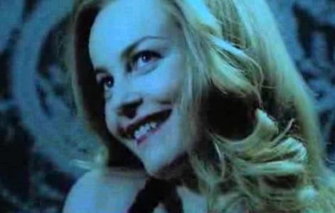 Un'espressione maliziosa di Violante Placido nei panni di Moana Pozzi in una immagine del promo della fiction di Sky presentata al RFF 2009