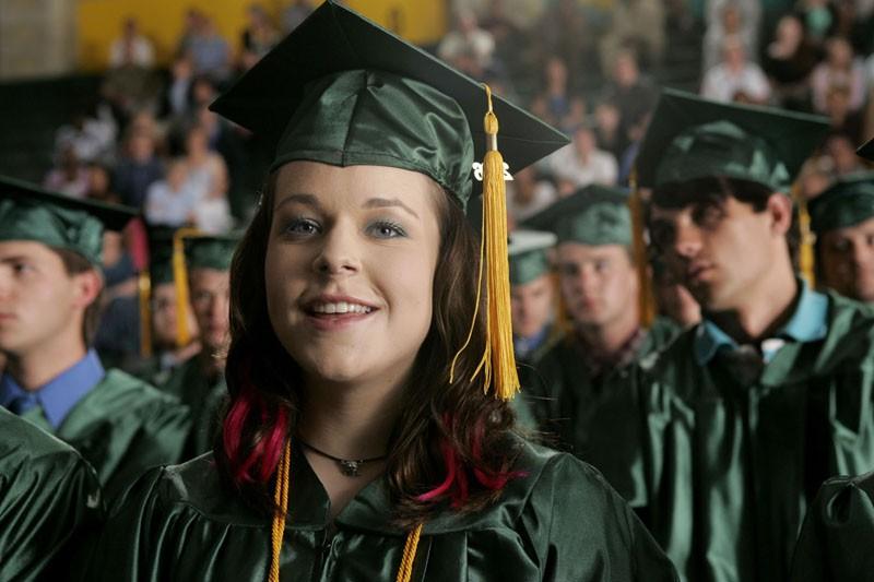 Cindy 'Mac' Mackenzie (Tina Majorino) alla festa dei Diplomi nell'episodio 'Nessuna foto' di Veronica Mars