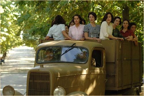 Immagine del dramma storico Le tredici rose, del 2007