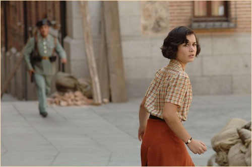 Nadia de Santiago nel film Le tredici rose