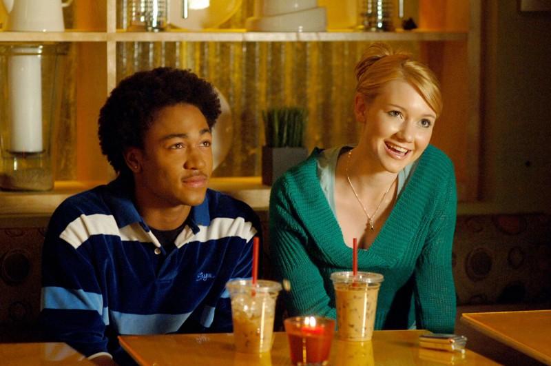 Percy Daggs III e Valorie Curry in una scena dell'episodio 'La sposa in fuga' di Veronica Mars