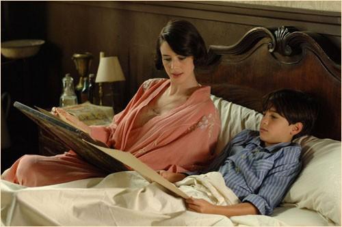 Pilar López de Ayala e suo figlio nel film Le tredici rose