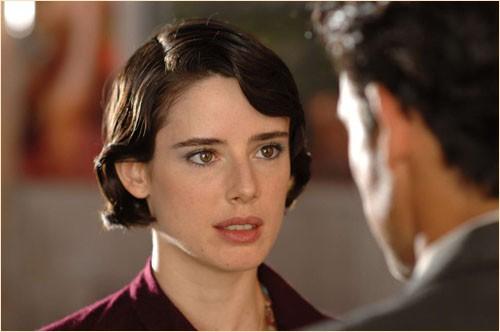 Pilar López de Ayala in una sequenza del film Le tredici rose, del 2007