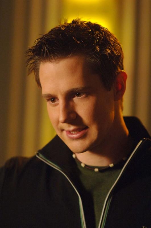 Un primo piano di Jason Dohring (Logan Echolls) nell'episodio 'La sposa in fuga' di Veronica Mars