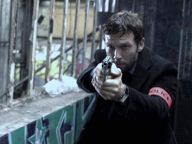 Una scena d'azione della serie francese Flics, del 2008