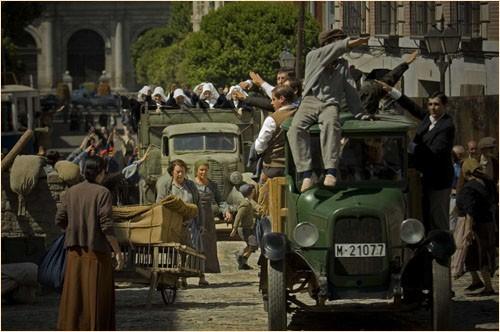 Una scena del period drama spagnolo Le tredici rose
