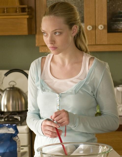 Amanda Seyfried in una scena della terza stagione di Big Love