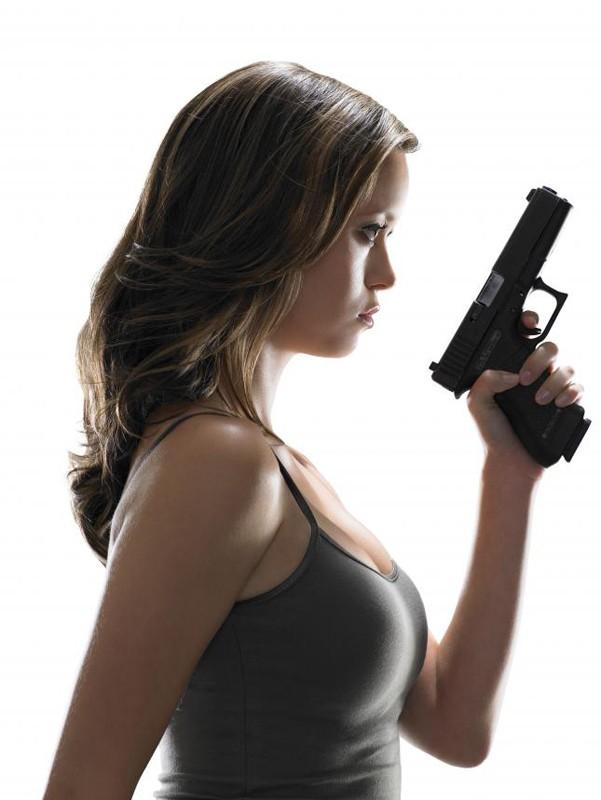 Un'immagine promozionale Cameron Phillips (Summer Glau) per la season 1 di Terminator: The Sarah Connor Chronicles