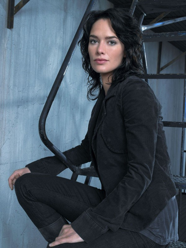 Una foto promo di Lena Headey per la stagione 1 di Terminator: The Sarah Connor Chronicles