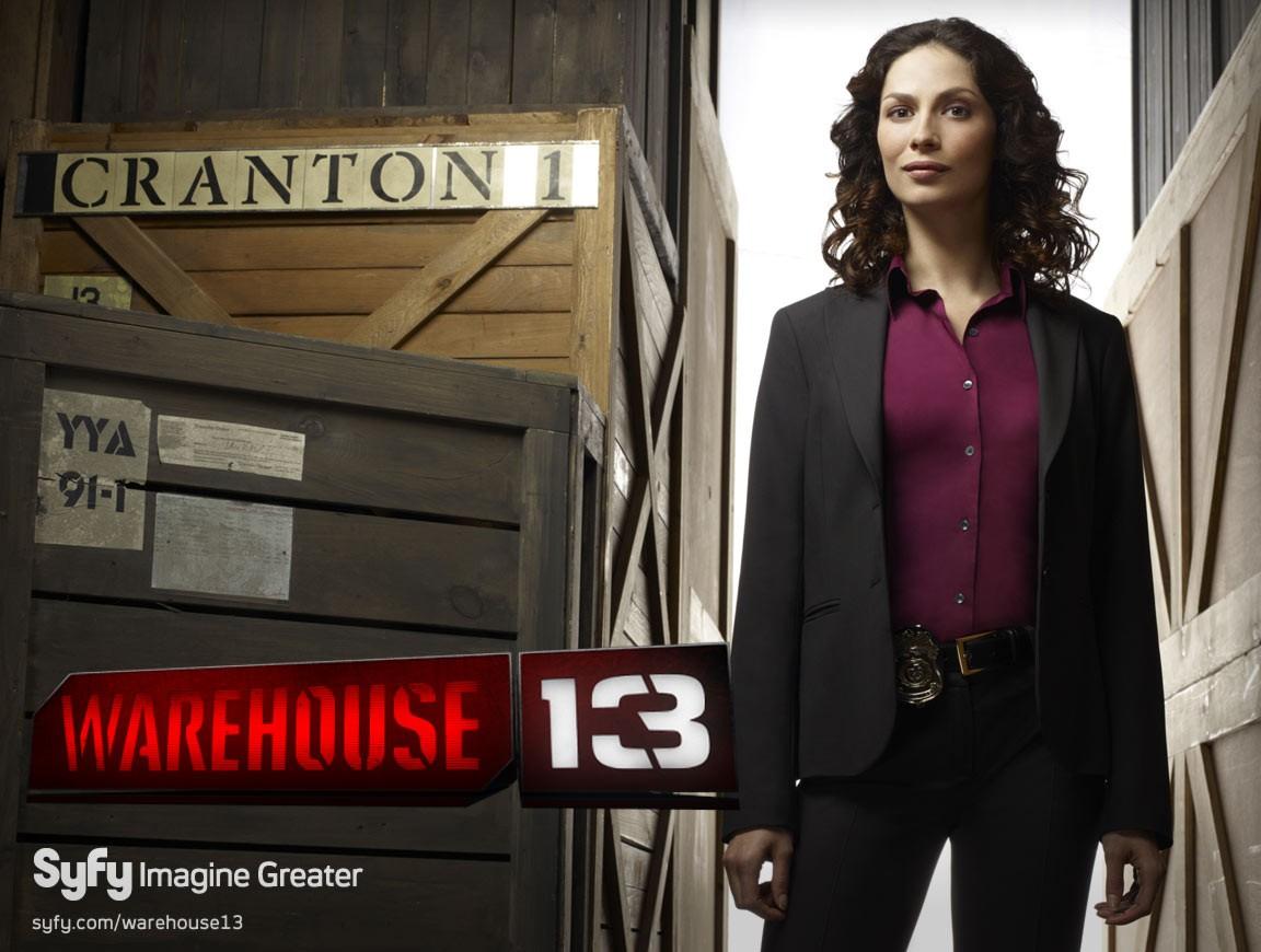 Joanne Kelly in un wallpaper della serie Warehouse 13