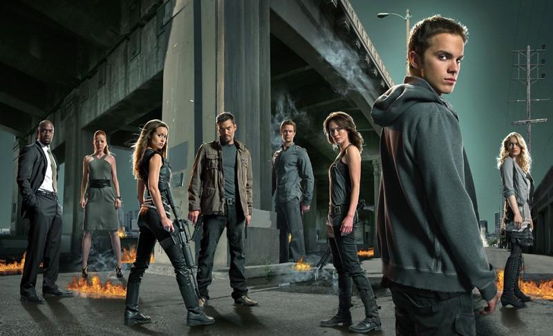 Un'immagine promozionale del cast della seconda stagione di Terminator: The Sarah Connor Chronicles