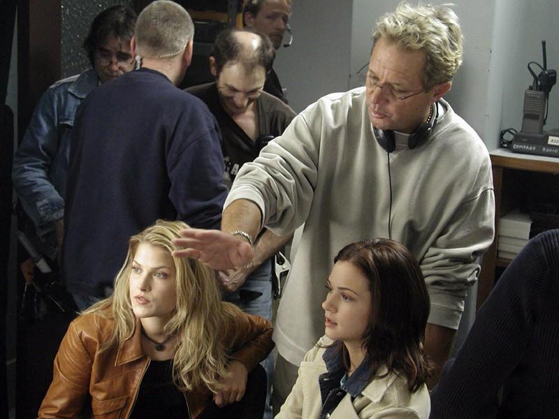 Ali Larter, A.J. Cook e David R. Ellis sul set del film Final Destination 2