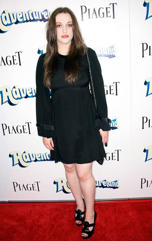 Kat Dennings alla premiere del film Adventureland a Los Angeles, California, nel 2009