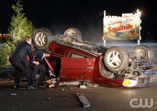 Uno spaventoso incidente stradale nell'episodio La rivelazione della stagione 5 di Smallville