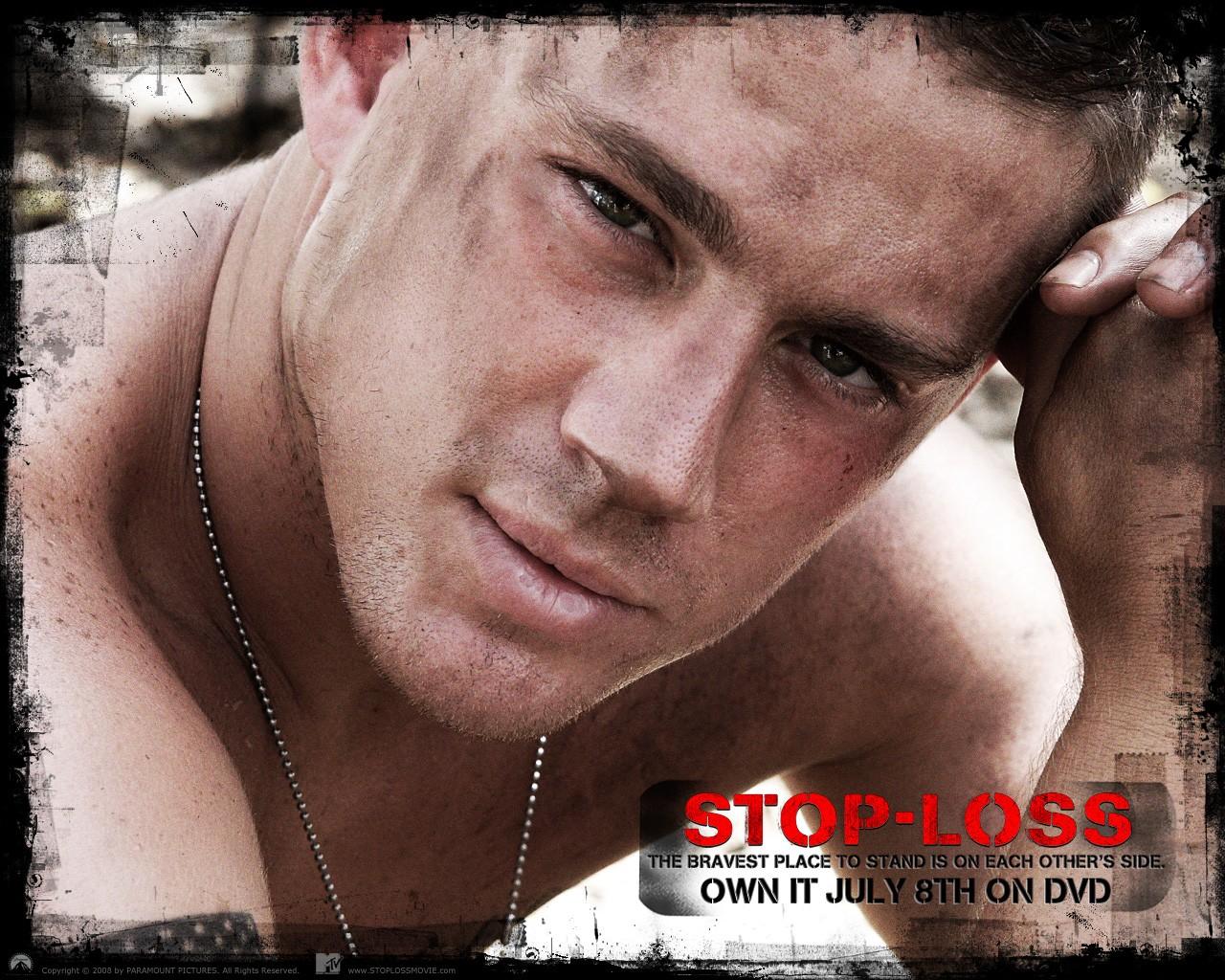 Un wallpaper ufficiale del film Stop Loss, con Channing Tatum