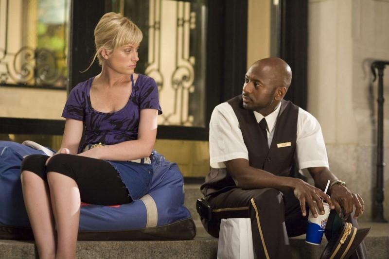 Amy Poehler e Romany Malco in una scena del film Baby Mama