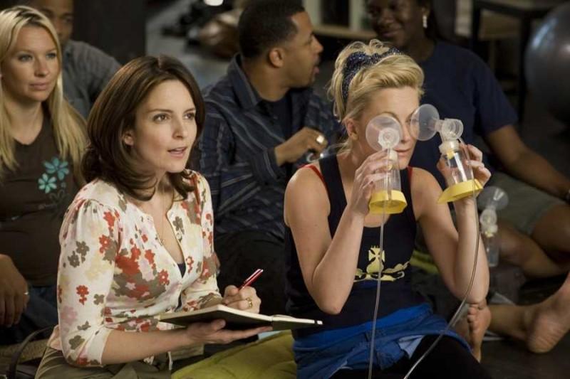 Tina Fey e Amy Poehler in un'immagine della commedia Baby Mama