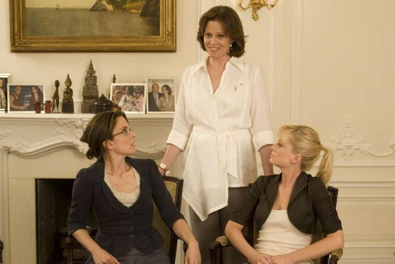 Tina Fey, Sigourney Weaver e Amy Poehler in una scena del film Baby Mama