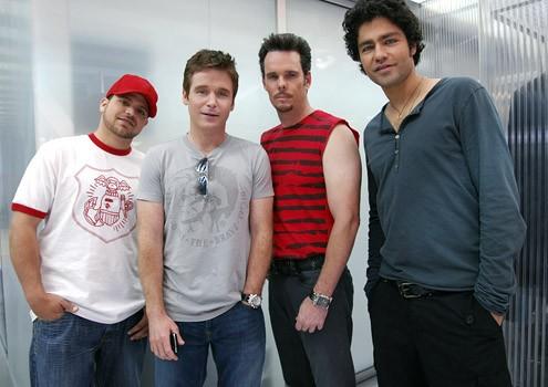 Kevin Dillon, Adrian Grenier, Jerry Ferrara e Kevin Connolly in una foto promozionale per la sesta stagione di Entourage