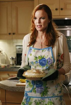 Marcia Cross è Bree Van De Kamp nel serial Desperate Housewives.
