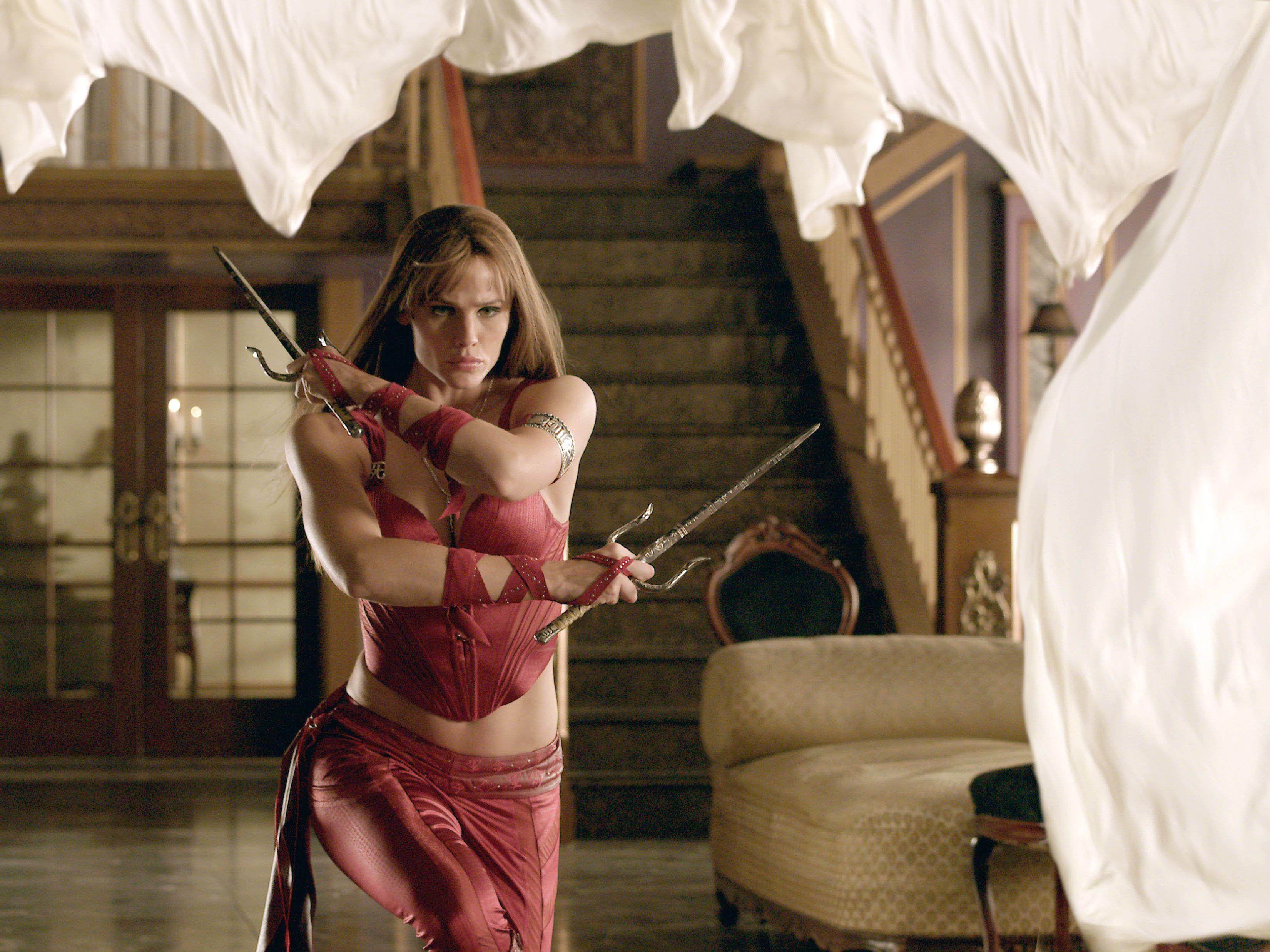 Un wallpaper del film Elektra con l'attrice Jennifer Garner