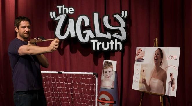 Gerard Butler è Mike Alexander nel film La dura verità