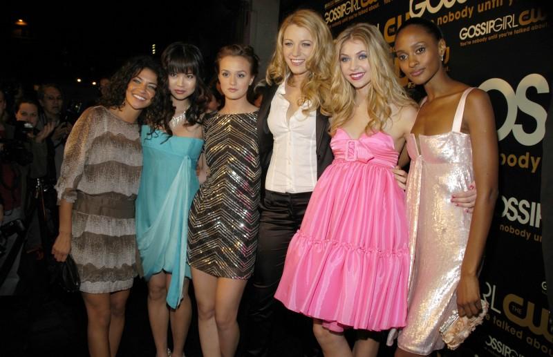 Jessica Szohr, Nan Zhang, Leighton Meester, Blake Lively, Taylor Momsen e Nicole Fiscella al 'Gossip Girl Premiere Party', nel 2007