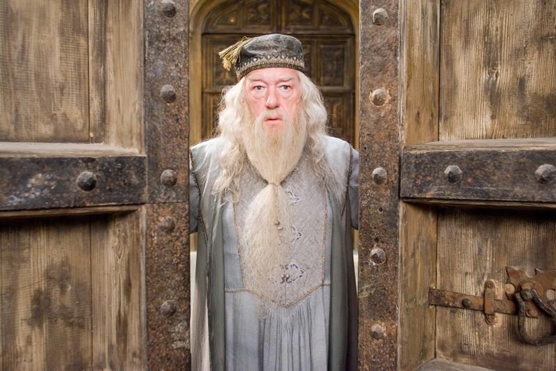 Michael Gambon interpreta Albus Percival Wulfric Brian Silente nel film Harry Potter e l'Ordine della Fenice