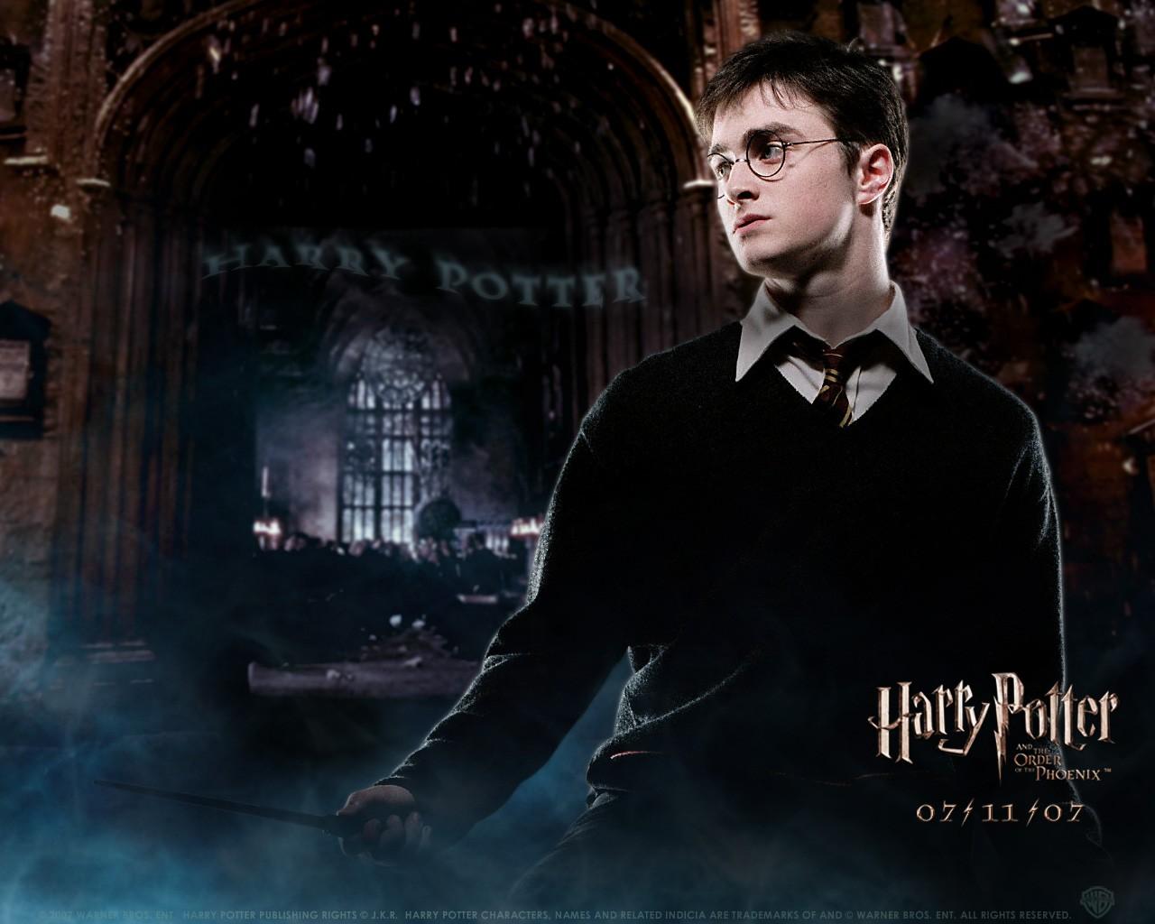 Un wallpaper di Daniel Radcliffe per il film Harry Potter e l'Ordine della Fenice