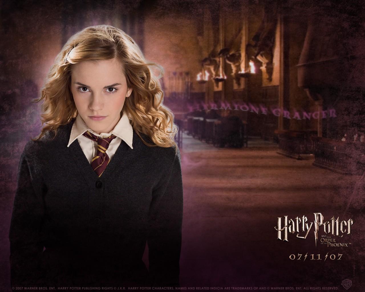 Un wallpaper di Emma Watson per il film Harry Potter e l'Ordine della Fenice