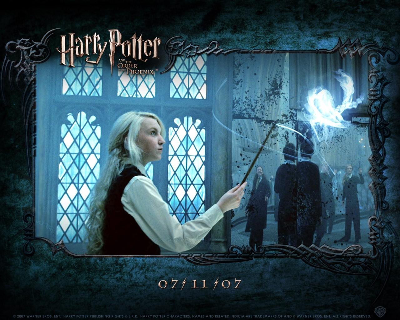 Un wallpaper di Evanna Lynch (Luna) per il film Harry Potter e l'ordine della Fenice