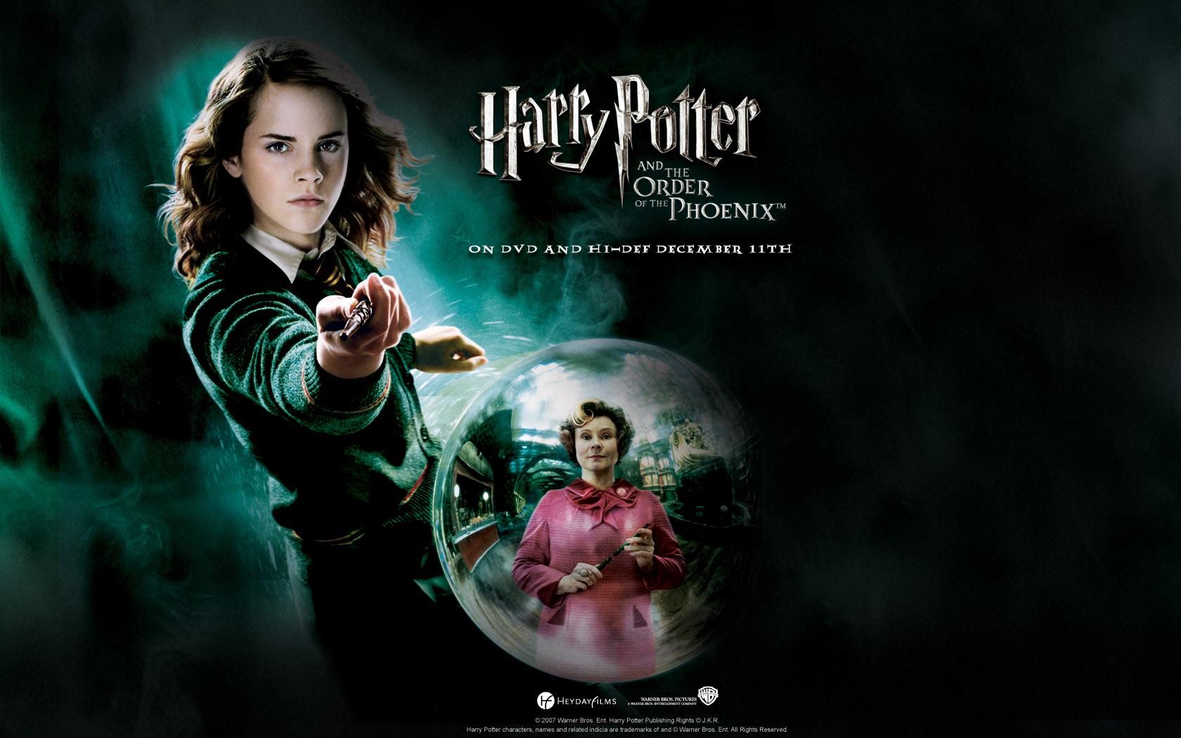 Un wallpaper ufficiale per Harry Potter and the Order of the Phoenix con Emma Watson
