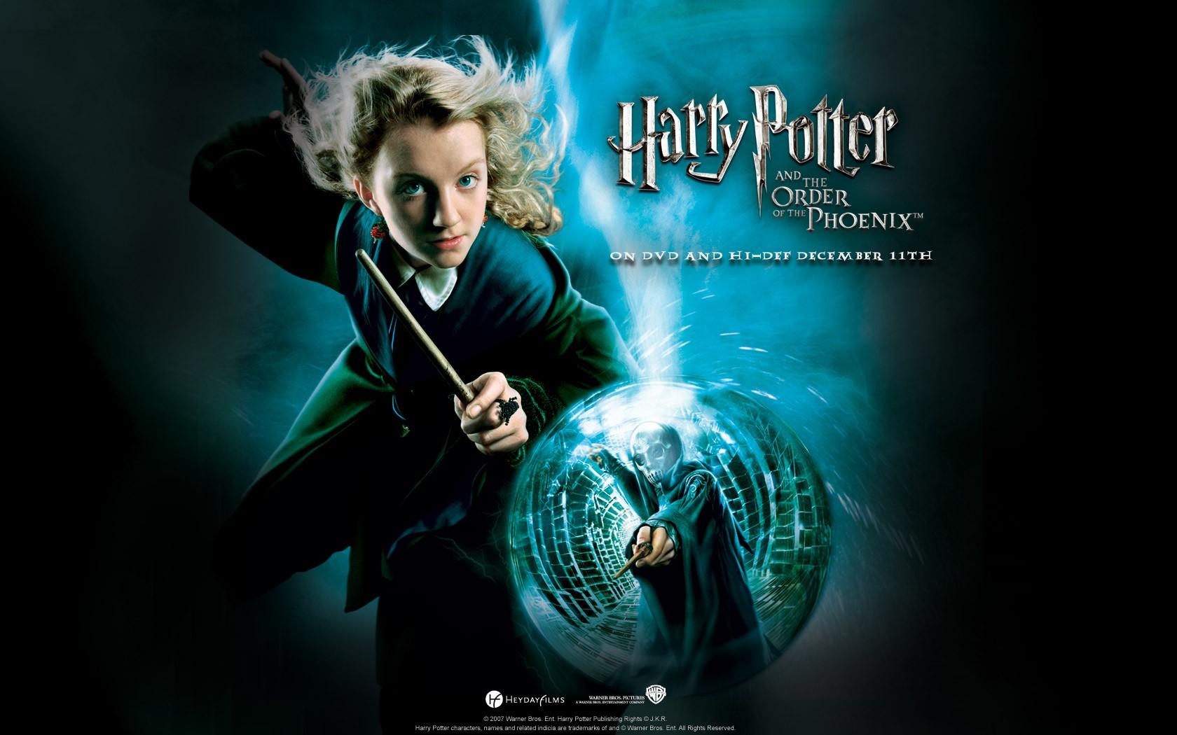 Un wallpaper ufficiale per Harry Potter and the Order of the Phoenix con Evanna Lynch