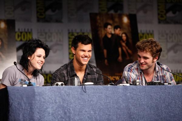 Comic-Con di San Diego 2009 - Kristen Stewart, Robert Pattinson e Taylor Lautner durante il panel di Twilight Saga: New Moon