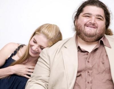 Un'adorabile immagine di Elizabeth Mitchell accanto a Jorge Garcia