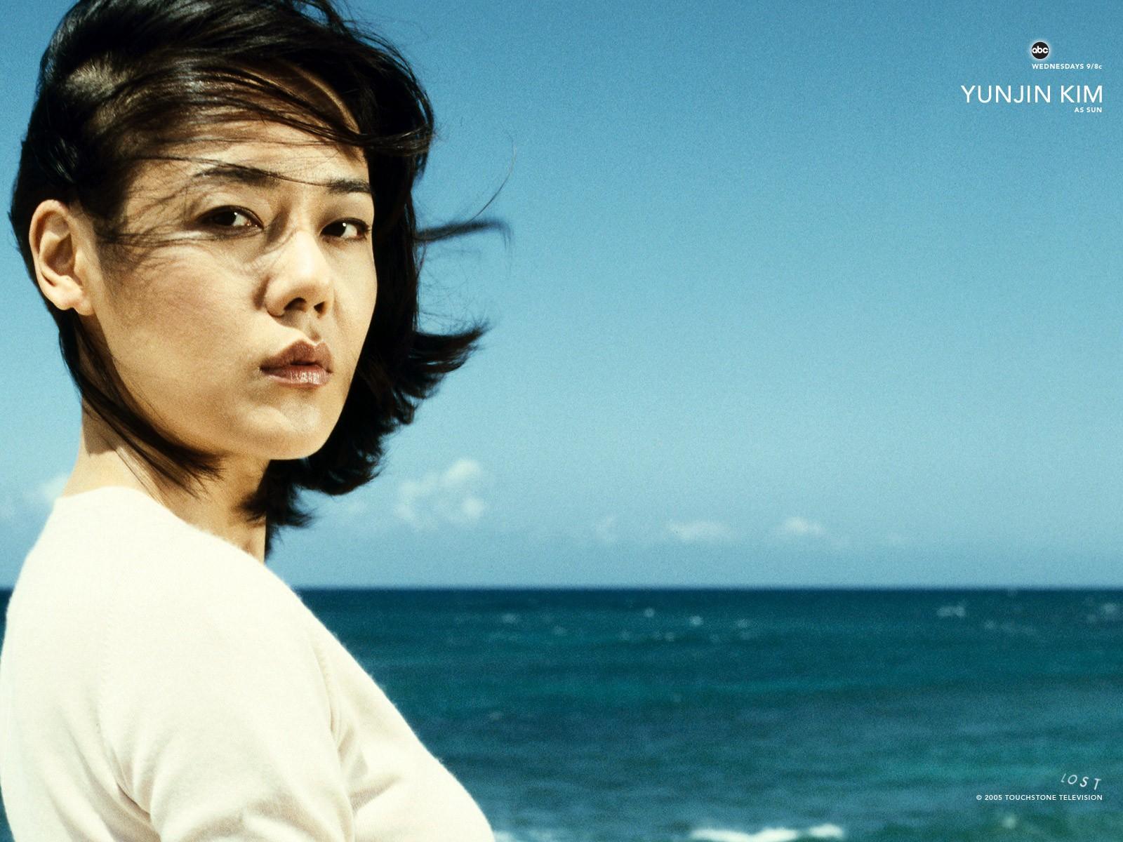 Un wallpaper di Yunjin Kim per la stagione 1 della serie 'Lost'