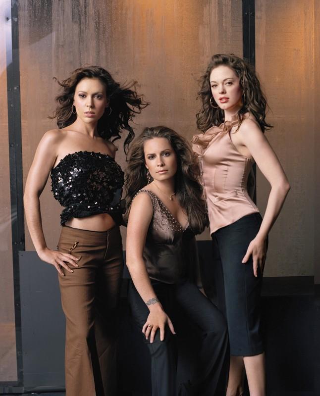 Lo sorelle Halliwell: Rose McGowan, Holly Marie Combs e Alyssa Milano per la season 8 di Charmed