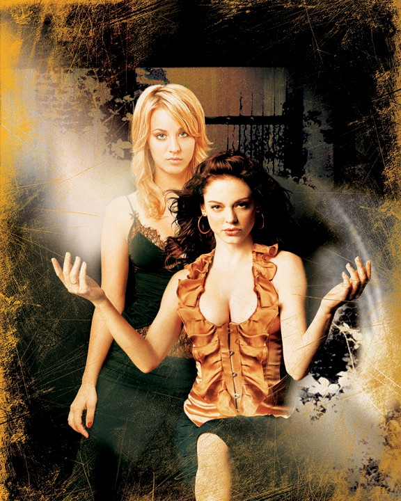 Paige (R. McGowan) e Billie Jenkins (K. Cuoco) in un'immagine per la season 8 di Charmed