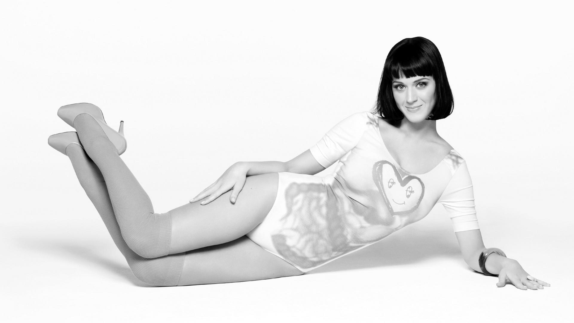 Wallpaper: una Katy Perry in bianco e nero